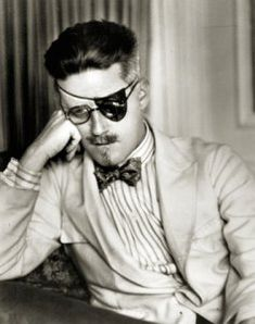 Ahoy there, me hearties! James Joyce during his little-known buccaneer-chic phase. Photo by Berenice Abbott, 1926 James Joyce, Man Ray, Berenice Abbott, Philippe Soupault, Peggy Guggenheim, Eugene Atget, Shakespeare And Company, Diane Arbus, Writers And Poets