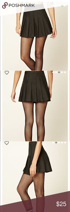 Forever 21 Pleated Mini Skirt Color : BLACK Small new with tags! Forever 21 Skirts Mini