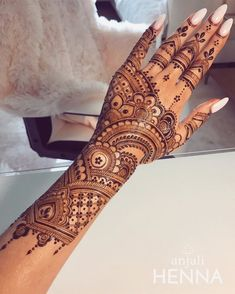 Check out these amazing mehndi designs by the top Mehendi artists before you book online. Some of these Arabic, full hand, Moroccan, mandala bohemian henna designs you will love at the wedding. Henna Hand Designs, Dulhan Mehndi Designs, Mehandi Designs, Mehndi Designs Finger, Henna Flower Designs, Wedding Henna Designs, Pretty Henna Designs, Modern Henna Designs, Engagement Mehndi Designs