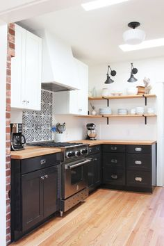 7 Money-Saving Lessons I've Learned from Renovating Homes - Saving money on a remodel is easier said than done. There& a delicate balance between time, m - Rustic Kitchen, New Kitchen, Kitchen Decor, 1950s Kitchen, Compact Kitchen, Stylish Kitchen, Budget Kitchen Remodel, Kitchen On A Budget, Interior Desing