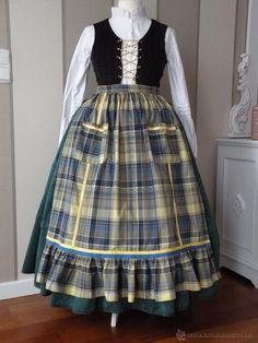 delantal para traje regional Spanish Costume, 18th Century Dress, European Dress, Apron, Popular, Womens Fashion, Skirts, Vintage, Dresses
