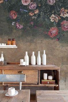 het lijkt haast een schilderij. Kijk voor meer voorbeelden van prachtig bloemenbehang op mijn blog #sheboezz