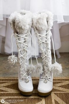 59 Cool Winter Bridal Shoes, Boots and Flats To Get Inspired - Schuhe Ideen Winter Wedding Boots, White Winter Boots, Winter Wonderland Wedding, Winter Weddings, Cozy Wedding, White Boots, Winter Shoes, Trendy Wedding, Wedding Tips