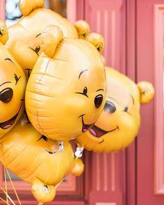 Disneyland Photos 2019 - Winnie the Pooh Winnie the Pooh Der Beitrag Winnie the Pooh erschien zuerst in Paris . zu Disneyland Photos 2019 - Winnie the pooh Winnie th Disney Trips, Disney Parks, Disney Pixar, Images Wallpaper, Disney Wallpaper, Wallpapers, Disney Love, Disney Magic, Peluche Winnie The Pooh