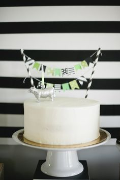 Photography : Melissa Oholendt Photography | Event Styling : Live the Fancy Life Read More on SMP: http://www.stylemepretty.com/living/2013/06/03/modern-stripes-dots-cow-birthday-party-from-live-the-fancy-life/