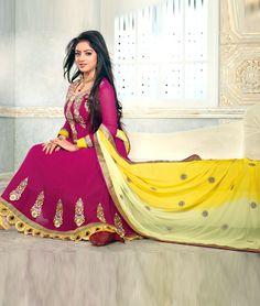 Style like Deepika singh( Sandhya ). Get latest collection of Anarkali suits From the TV Show Diya Aur Batti Hum Churidar, Salwar Kameez, Kurti, Deepika Singh, Anarkali Suits, Indian Dresses, Islam, Tv Shows, Aurora Sleeping Beauty