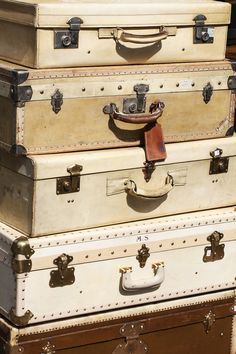 Wonderful things you can find in Saint-Ouen flea market, Paris France Travel, Asia Travel, Antique Market, Oui Oui, Wonderful Things, Travel Around The World, Family Travel, Family Vacations, Travel Inspiration