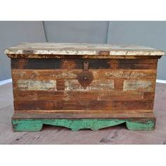 reclaimed wood toybox sooo cute