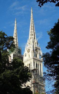 Catedrale Zagreb - Croatia Bosnia, Kirchen, Croatia, Barcelona Cathedral, Building, Travel, Beautiful, Buildings, Urban
