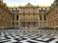 There may soon be a five-star hotel in the Palace of Versailles