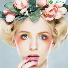 Buy Beautiful blonde supermodel in wreath of flowers studio shot by gromovataya on PhotoDune. Beautiful girl blonde supermodel in wreath of flowers closeup portrait. Beauty Shoot, Hair Beauty, Beauty Tips, Flower Power, Pastel Makeup, Look Girl, Girls With Flowers, Make Up Art, Bold And The Beautiful