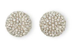 Hemmerle earrings in white gold, natural pearls and diamond cabochons.