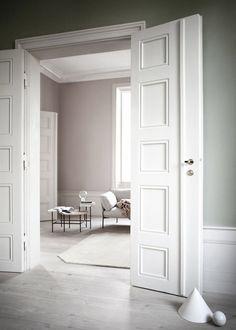 Harmony and design: deco Interior Architecture, Interior And Exterior, Grey Hardwood Floors, Wood Flooring, Casa Hotel, Ideas Hogar, Floor Colors, Interior Design Inspiration, Interiores Design