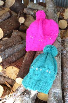 O PPSKRIFT PÅ UGLELUEN:)    Her kommer oppskriften på ugle luen som flere ... Tardis, Double Crochet, Scrunchies, Ravelry, Crochet Pattern, Winter Hats, Wraps, Pink, Threading