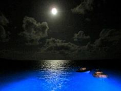 "A beautiful full Moon with my friends somewhere North Sound in Virgin Gorda :) they make me feel like ""home""."