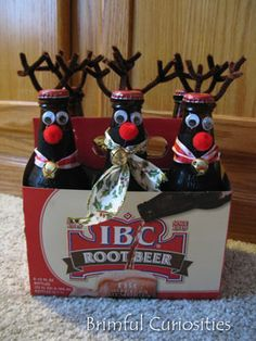 Brimful Curiosities: Root Beer + Reindeer = Root Deer: A Homemade Christmas Gift I know some guys on my shopping list that would like this in the non-root variety.