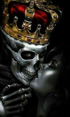 King Skull kissing the queen - King Skull kissing the queen - Skull Tattoos, Body Art Tattoos, Sleeve Tattoos, Ghost Rider Wallpaper, Skull Wallpaper, Iphone Wallpaper, Rauch Tattoo, Og Abel Art, Tattoo Ideas