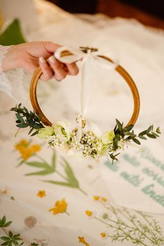 Porta Alliance: step by step to choose the model of your wedding Diy Wedding Ring, Ring Holder Wedding, Ring Pillow Wedding, Card Box Wedding, Wedding Ceremony, Wedding Gifts, Gown Wedding, Lace Wedding, Wedding Colors