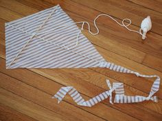 Pink Stripey Socks: Make two crapty kites: Newspaper Kite and Plastic Bag kite Kites For Kids, Diy For Kids, Crafts For Kids, Reuse Plastic Bags, Fun Crafts, Arts And Crafts, Go Fly A Kite, Craft Activities, Kids Toys