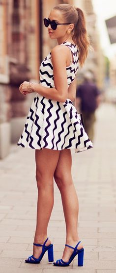 Wavy swing dress,,dress too short but love the look..and shoes! Yes Ashely for you !