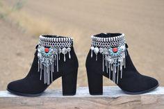ETHNIC black SUEDE BOOTS with heel por MISIGABRIELLA en Etsy