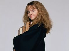 Little Emma Watson was just 11 when she made her film debut in the first Harry Potter film. As Hermione, she's Harry's female best friend who excels in school, spells, and being awesome. Saga Harry Potter, Mundo Harry Potter, Harry Potter Hermione, Harry Potter Pictures, Harry Potter Characters, Female Characters, Fictional Characters, Hermione Granger, Hermione Hair