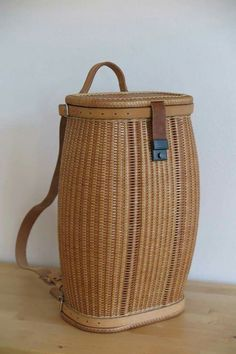 Products from a rod - Mite EV Red Basket, Bamboo Basket, Basket Bag, Wicker Baskets, Willow Weaving, Basket Weaving, Bountiful Baskets, Nantucket Baskets, Novelty Bags