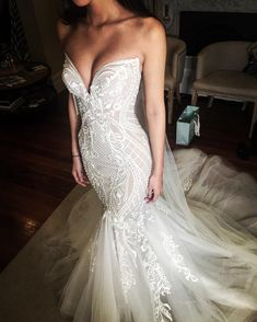 Different Styles Of Wedding Dresses. There are several designs of bridal gown, practically as many styles of wedding dresses as there are shapes of women. Dream Wedding Dresses, Bridal Dresses, Wedding Gowns, Wedding Dress Shopping, Wedding Dress Online Shop, Glamorous Wedding Dresses, Beaded Wedding Dresses, Elegant Dresses, Wedding Dress Long Train