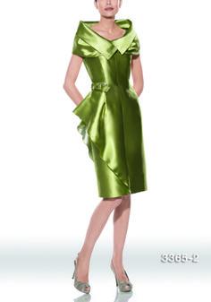 Traje de madrina modelo 3365 | colección 2014 Teresa Ripoll | realizado en jacquard color verde, con escote redondo y capa a juego