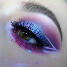 How To Clean Beauty Blenders & Makeup Brushes We're loving this purple passion eye look by featuring our 386 lashes! The post How To Clean Beauty Blenders & Makeup Brushes appeared first on Makeup Trends On World. Makeup Eye Looks, Eye Makeup Art, Crazy Makeup, Cute Makeup, Makeup Eyeshadow, Makeup Tips, Makeup Tutorials, Beauty Makeup, Makeup Trends
