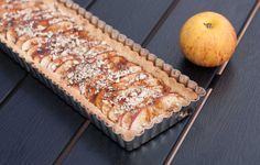 Lav en smuk og meget velsmagende æbletærte med marcipan, mandler & kanel. Den er perfekt i efteråret med lidt lækker creme fraiche til.
