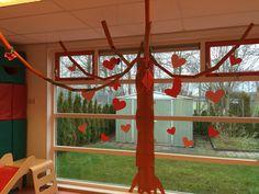 Mooie liefdesboom!! Kinderen kunnen hier hun hartewensen in ophangen.