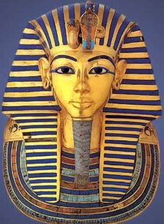 The famous funerary mask of Tutankhamun in Gold, semiprecious stones, quartz and glass paste - ancient Egypt - Egyptian Museum Egyptian Mask, Egyptian Tattoo, Ancient Egyptian Art, Ancient History, Art History, Egyptian Queen, Black History, National Geographic Kids, Art Asiatique