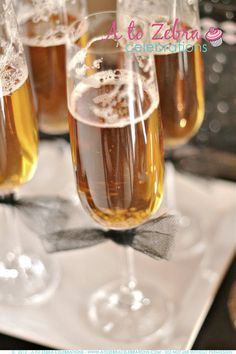 new years eve cider-http://atozebracelebrations.com/2012/12/new-years-eve-party-ideas.html