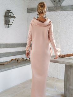 Scuba Neoprene Maxi Dress Kaftan with Pockets / Blush Pink Scuba Kaftan / Plus Size Dress / Oversize Loose Dress / #35144 A very elegant....and sophisticated maxi dress. You can wear in any special occasion and have a stunning look.   - Handmade item  - Materials : scuba neoprene stretch fabric - The model wears : size - small , color >>> Blush Pink  - Fit : Loose fit  - Length : 150 cm / 59 inches . ** If you desire different length, please write it in the notes area.  - Machine or hand…