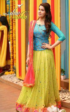 Pakistani/Indian blue and yellow bridal lehenga Half Saree Designs, Choli Designs, Sari Blouse Designs, Lehenga Designs, Lengha Design, Dress Designs, Party Wear Lehenga, Party Wear Dresses, Bridal Lehenga