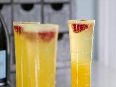 Get Trisha Yearwood's Orange-Peach Prosecco Cocktail Recipe from Food Network