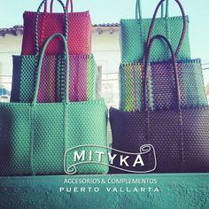 Bolsas de plastico Artesanales en Nuestra tienda de Puerto vallarta mexico, beachbags Mexican original  style