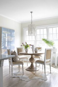 Neutral dining room - North Morningside — JAYME ARMOUR INTERIORS