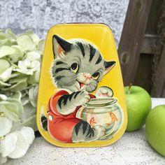 Adorable Mid Century Kitten Goldfish Bowl Tin Litho Box, Horner's Toffee, vanity, tea, trinket, storage, Nursery décor, cat, retro, yellow