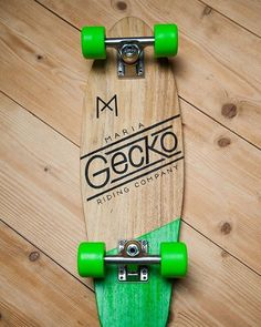 Gecko. Hand shaped and painted samba wood deck, Independent trucks and Powell rat-bones wheels.  Available at our online store. #mariamotorcycles #maria_motorcycles #mariaridingcompany #maria_ridingcompany #gecko #skateboard #retroskate