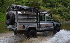 // Land Rover Defender 130