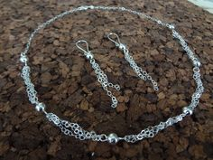 Set of Necklace and Earrings with design in Chains and Silver Spheres. Sterling silver .925. Modern design. Gift for her. Mexican Silver de NakuJewelry en Etsy
