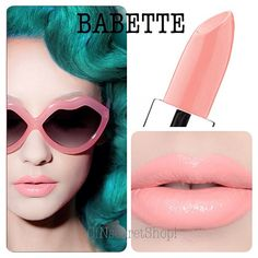 I love this lipstick color! Want want :-)