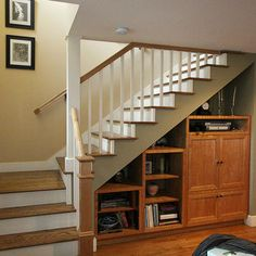 Traditional Staircase Cupboard + Under + Stairs Design, Pictures, Remodel, Decor and Ideas - page 7 Attic Renovation, Attic Remodel, Craftsman Staircase, Shelving Design, Storage Design, Traditional Staircase, Modern Roofing, House Deck, House Stairs