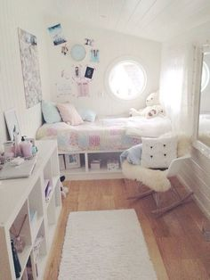 Teen Girl Bedrooms for dreamy room decor - A sweet and spectacular collection on teen room decor. Post ref 3971448347 Categorized at teen girl bedrooms small room , imagined on this date 20190221 Small Bedroom Ideas On A Budget, Budget Bedroom, Small Room Bedroom, Kids Bedroom, Warm Bedroom, Bedroom Ideas For Teen Girls Small, Master Bedroom, Bed Room, White Bedroom