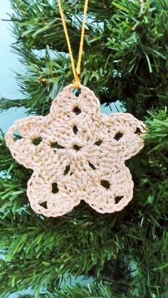 Pingente para árvore de natal em formato de estrela. Ideal para árvores grandes.