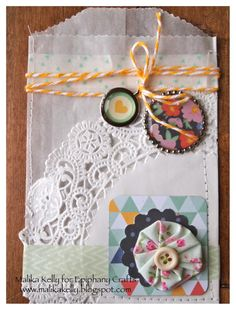 Card envelope made with the #epiphanycrafts Shape Studio Tool Round 25 and Charms available at #MichaelsStores www.epiphanycrafts.com #card #scrapbook #mothersday #americancrafts