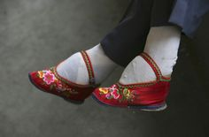 Mongol women refused to adopt foot binding and retained rights to property and control in the household, as well as freedom of movement. Some Mongol women even went to war and hunted.