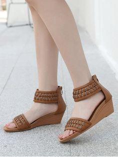 Fashion Sandals, Fashion Boots, Trendy Shoes, Casual Shoes, Shoes Flats Sandals, Wedge Sandals, Style Ethnique, Stylish Sandals, Womens Shoes Wedges